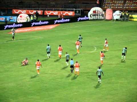 El Atlético Nacional contra el Envigado en el Polideportivo Sur