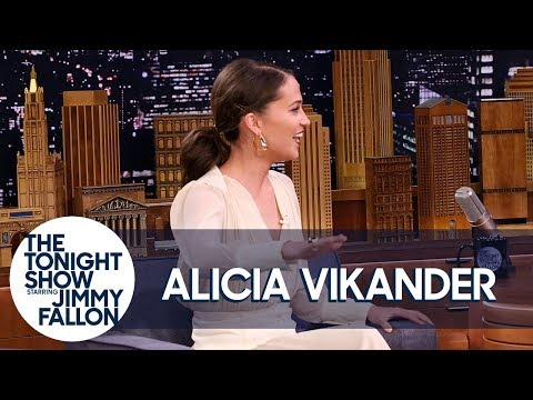 Alicia Vikander Won a Swedish Talent Show When She Was Eight Years Old (видео)