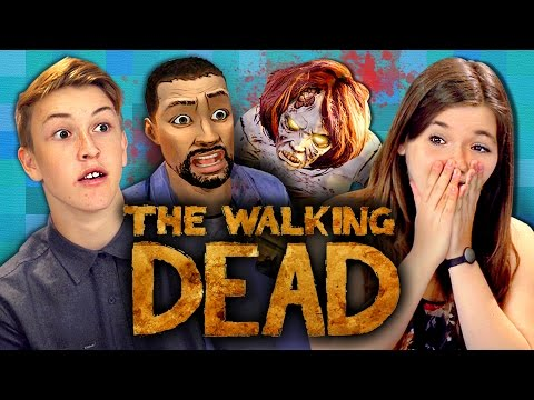 THE WALKING DEAD: Episode 1 - Part 1 (Teens React: Gaming) (видео)
