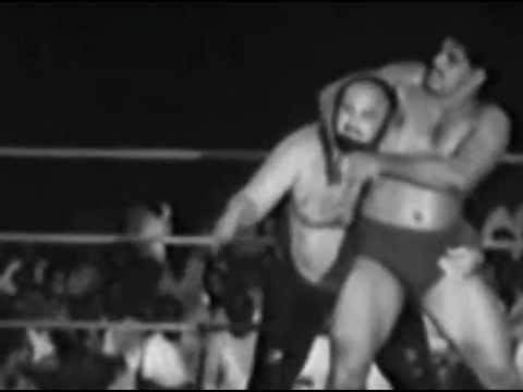 Wow! Dara Singh wrestling with Kingkong