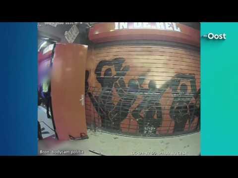 Politie geeft interne video vrij van inval home Vak-P
