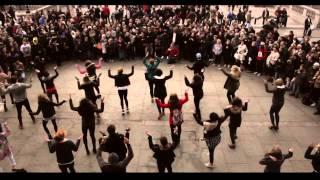 Video Trafalgar Square Flashmob Proposal Alper & Izlem (Amazing Proposal Ever) MP3, 3GP, MP4, WEBM, AVI, FLV Agustus 2018