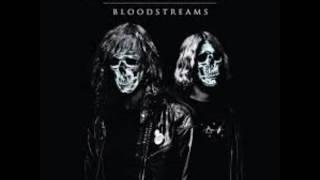 DZ Deathrays - Bloodstreams (2012) 0:00 Intro 0:58 Teenage Kickstarts 3:11 Dollar Chills 6:04 Dinomight 9:37 Play Dead till...