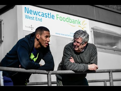Video: Isaac Hayden visits Newcastle West End Foodbank