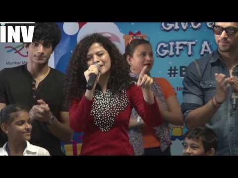 Video Palak Muchhal At Big FM download in MP3, 3GP, MP4, WEBM, AVI, FLV January 2017
