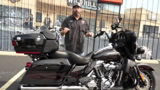 4. 2010 Harley Davidson Electra Glide CVO FLHTCUSE5-BLK!