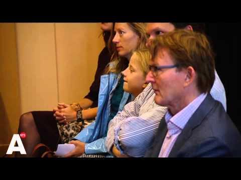 Meisje Amsterdam geeft burgemeester advies over Zwarte Piet