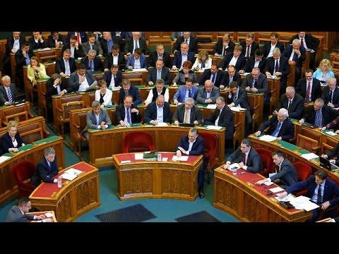 Ουγγαρία: Προεδρική «βούλα» στο νόμο για τα ξένα πανεπιστήμια