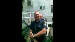 Policjant karze niewinnego kierowcę bo zadzwonił komendant straży miejskiej.
