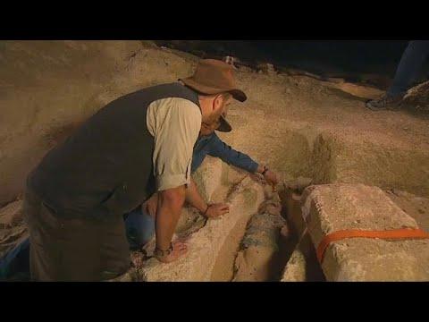 Αίγυπτος: Αρχαιολόγοι εντόπισαν μούμια 2500 ετών