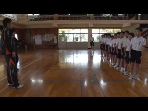 種子島の学校:現和小学校6年生ロープジャンプにチャレンジ!猛練習中!!