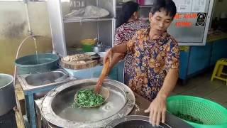 Download Video MIE AYAM ACING GROGOL - INDONESIAN STREET FOOD MP3 3GP MP4