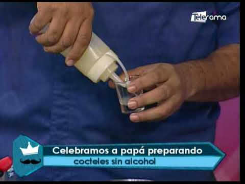 Celebrando a papá preparando cócteles sin alcohol