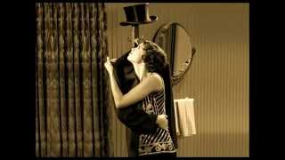 Nonton George Valentin  -  The Artist 2011 Film Subtitle Indonesia Streaming Movie Download