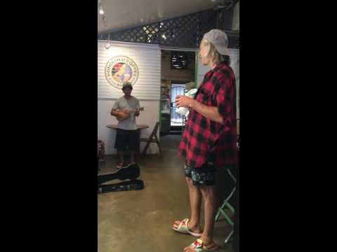 Video Matisyahu joins coffee shop performer on