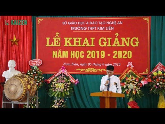 Tặng quà cho học sinh nghèo vượt khó Trường THPT Kim Liên, Nam Đàn