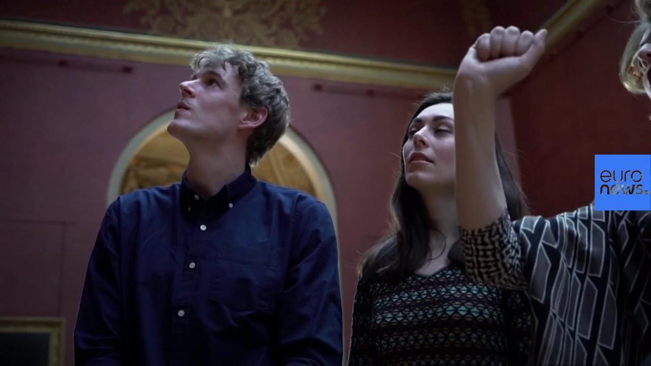 Ζευγάρι διανυκτέρευσε στο Μουσείο του Λούβρου