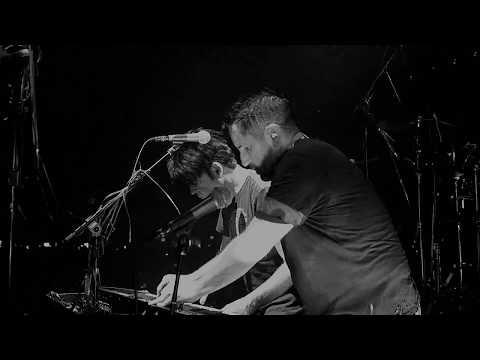 Metal <br>Live [Feat. Gary Numan]<br><font color='#ED1C24'>NINE INCH NAILS</font>