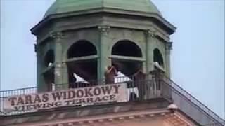 A tu proszę porozstawiani na dachach snajperzy, film nagrany na kontrmanifestacji …