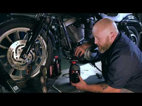 Oil Change : Harley Davidson Dyna