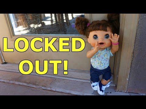 Video BABY ALIVE Pumpkin Gets Locked Out Of The House! download in MP3, 3GP, MP4, WEBM, AVI, FLV January 2017