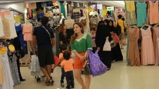 2013 Inside Platinum Fashion Mall Clothing Wholesale Bangkok Thailand HD