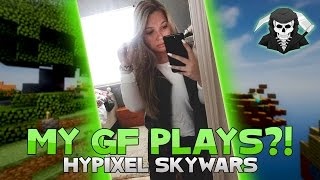MY GIRLFRIEND PLAYS HYPIXEL SKYWARS! (and i commentate)