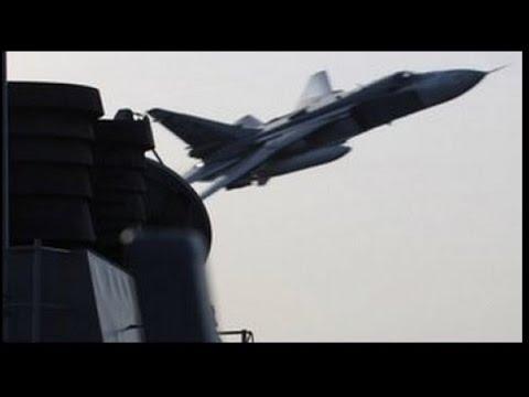 Русский СУ-24 атакует американский \Дональд Кук\ Америкосы обосрались - DomaVideo.Ru
