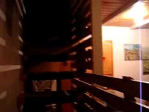 Discesa libera nel sacco a pelo dalle scale
