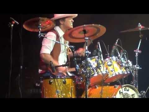 Bruno Mars Locked Out of Heaven / Gorilla Moonshine Jungle Tour Belfast 2nd October 2013