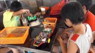 HƯỚNG DẪN CHẾ TẠO ROBOT - Giáo dục STEM - Lập trình roboticsChào các bạn, trên đây là một vài hình ảnh về cuộc thi robot đá bóng dành cho học sinh Robocup 2016 được tổ chức vào mùa hè năm 2016Video này mình sẽ hướng dẫn các bạn .Mọi câu hỏi xin liên hệ:Kênh Youtube hướng dẫn chế tạo robot:https://www.youtube.com/channel/UCk7DBrxA4J8qSKYrCcTn4qQĐăng ký khóa học Đội bóng robot: http://linhkienrobotics.com/san-pham/khoa-hoc-doi-bong-robot-sp389810.htmlĐịa chỉ mua thiết bị: http://linhkienrobotics.com/Thảo luận về Arduino: https://www.facebook.com/groups/1612722228943195/?ref=ts&fref=tsEmail: robotchomoinguoi@gmail.comFacebook (English): https://www.facebook.com/groups/1426364030991469/?fref=tsFacebook (Vietnamese):https://www.facebook.com/groups/770915966338402/?fref=tsFanpage: https://www.facebook.com/AnhRobot?fref=tsDạy robotics cho trẻ emĐội bóng robotRobot for everyoneFunny RoboticsLove RobotHow to make a robotMake simple robotsRobotics tutorialRobotics instruction
