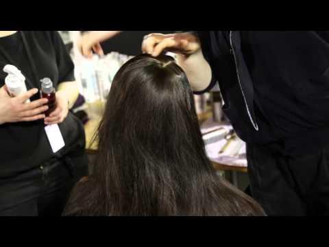 Hair Trend News #6 : La raie de côté effet messy shiny