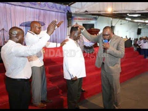 NASA leader Raila Odinga delivers short sermon at a church service_A héten feltöltött legjobb űrhajó videók