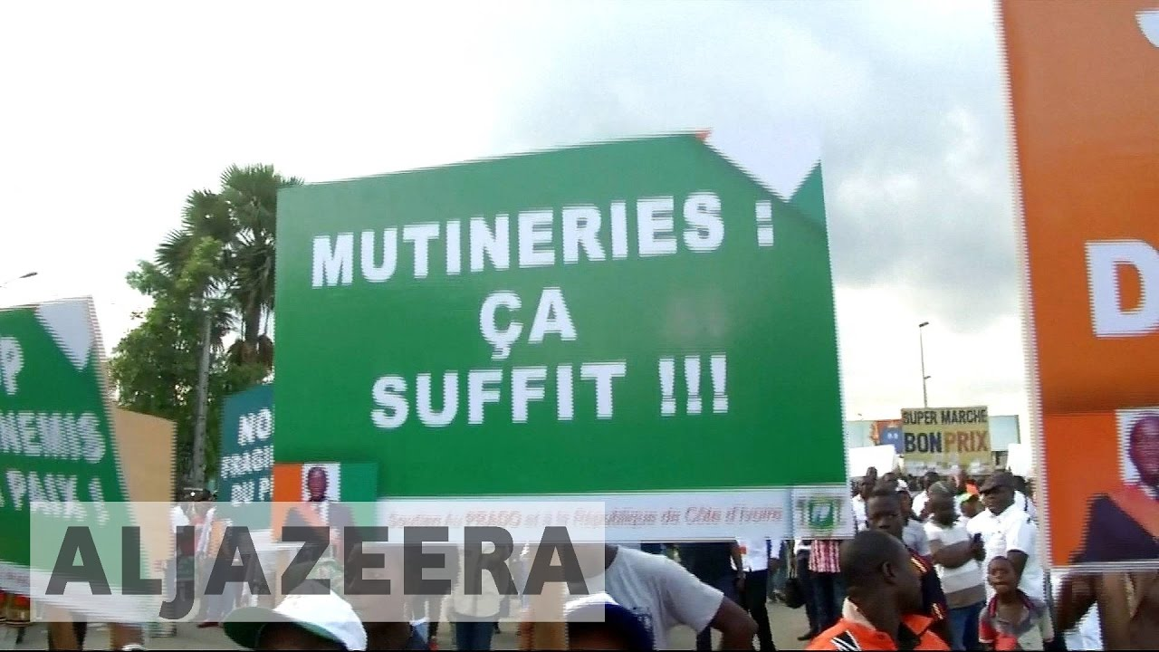 Ivory Coast mutiny:  Soldiers continue standoff over pay