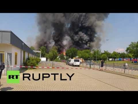 В Дюссельдорфе горит приют для беженцев