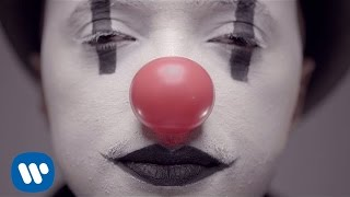 Soprano - Clown [Clip Officiel] - YouTube
