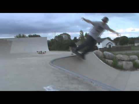 The Big Skateboard - Mound/Alpine Skateparks (MN)