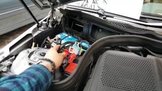 Salve a tutti e benvenuti in questo video! Cambio batteria di Mercedes E250(W212).Se il video vi è piaciuto mettete un bel LIKE ! ... volete seguire altri video?? Iscrivetevi al canale !!