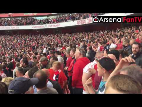 Arsenal Fans Celebrating St Totteringham's Day Inside The Emirates (Brilliant Fan Footage)