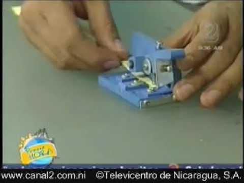 filigrana - En este video se hace paso a paso una tarjeta con filigrana. Por Victor Aguilar.