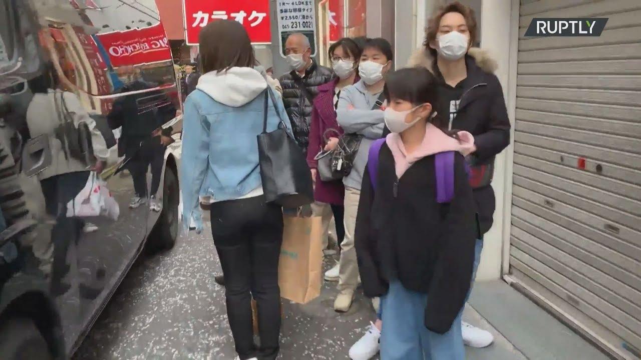 Αυξάνεται ο αριθμός των κρουσμάτων κορονοϊού στην Ιαπωνία ουρές σχηματίζονται για τις μάσκες
