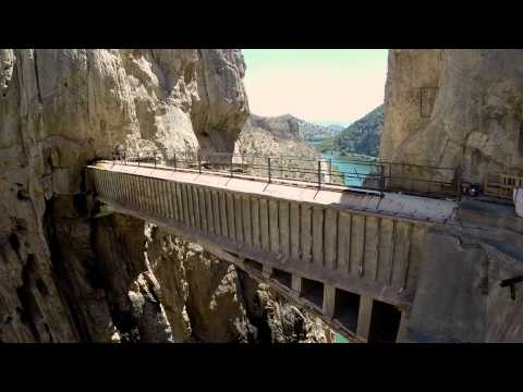 This is how El Caminio del Rey was built