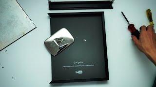 Video BONGKAR SILVER PLAY BUTTON! MP3, 3GP, MP4, WEBM, AVI, FLV Januari 2019