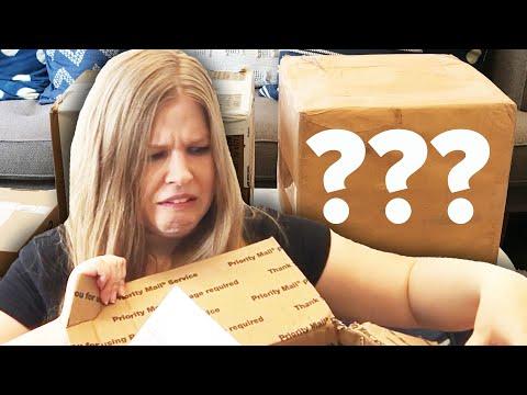 I Bought A $100 Mystery Box From Ebay (видео)