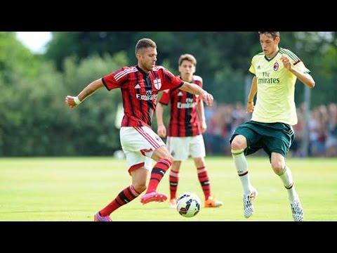 Milan - Milan Rossonero vs Milan Giallo Jeremy Menez e Giampaolo Pazzini sono stati i protagonisti della partita amichevole sul campo esterno di Milanello, alla pres...