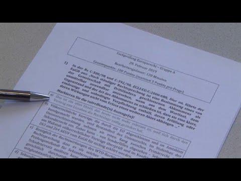 Έδωσαν εξετάσεις στη νομική με τις απαντήσεις από κάτω