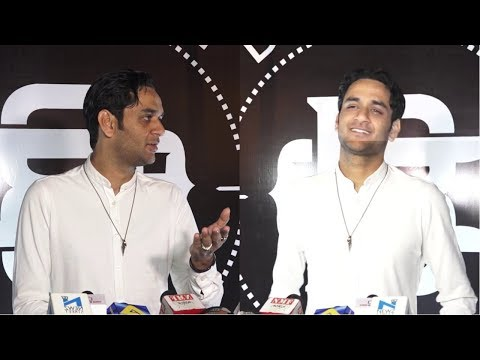 Vikas Gupta At Red Carpet Of Suyyash Rai Musical live Performance At Barrel & Co