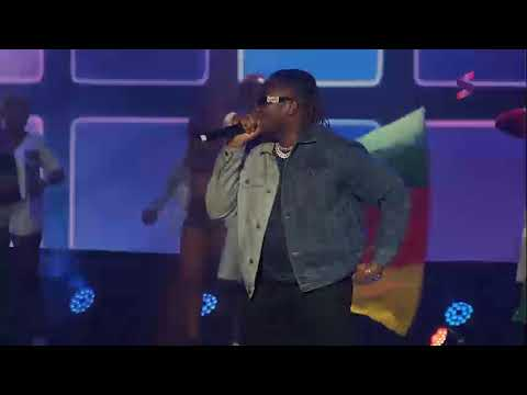Q-Dot Performing 'Gbese' at the 4th Soundcity MVP Awards Festival