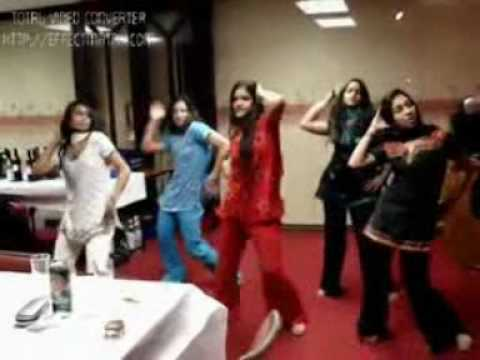 INDIAN SINDHI GIRL,S DANCE -- SINGER RAJAB GULZAR POET LATIF HYDER