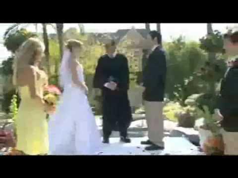 """il testimone fa un """"regalino"""" alla sposa!"""